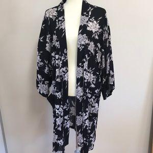 Beautiful Floral Robe Kimono!!